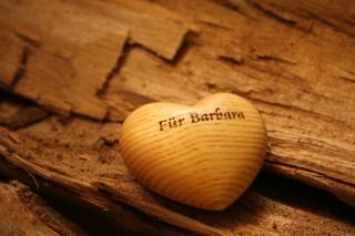 Holzherz graviert - Gravuren aus der Ostschweiz