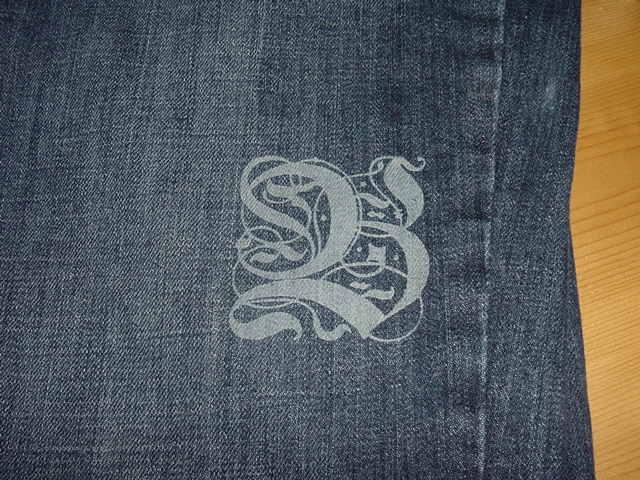 Jeansgravur mit Laser