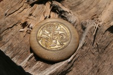 Holz-Amulett rustikal - Gravierstudio Feustle Herz-Hand